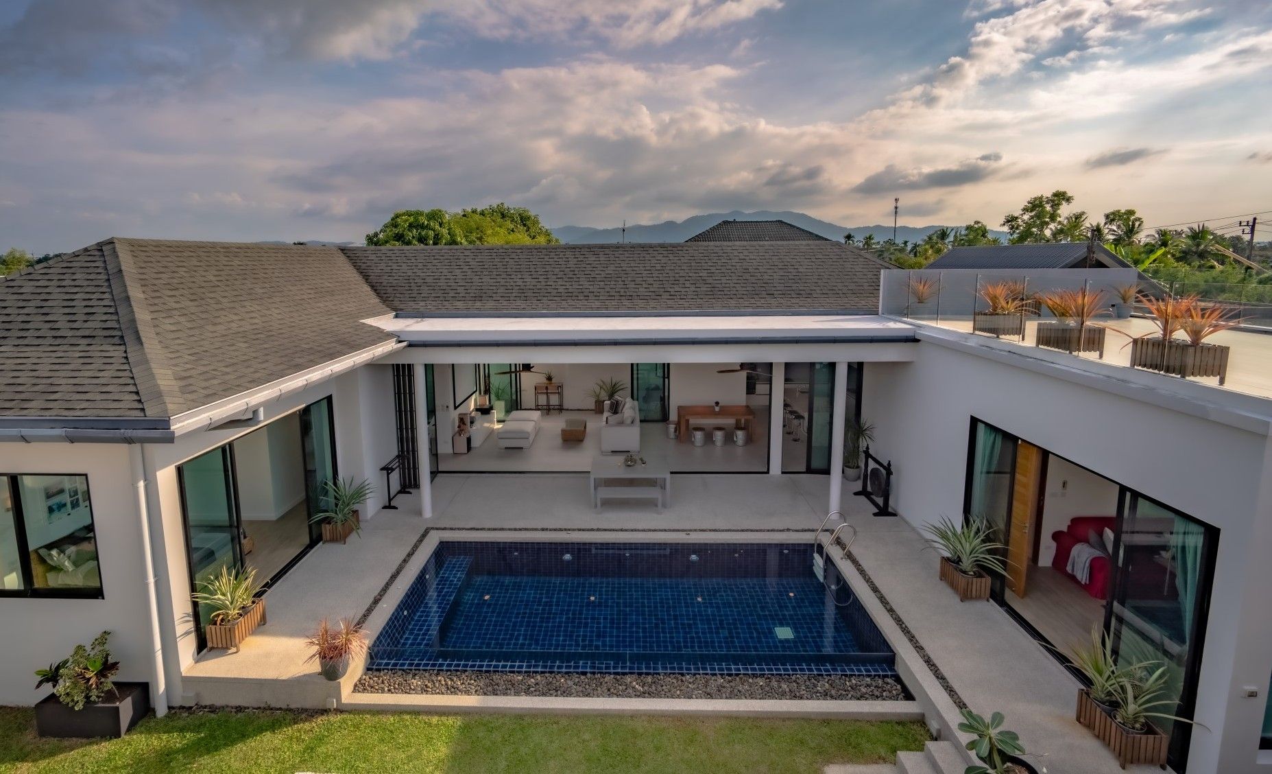 See Great Family Pool Villa details