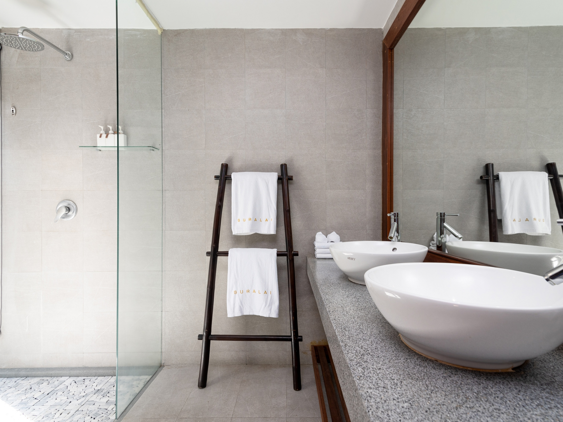 Breathtaking Family Villa-020 Villa Suralai - Ensuite bathroom details.jpg